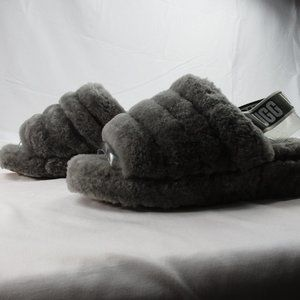 UGG Women's Pre-Owned Size 8 Fluff Slippers  #0226